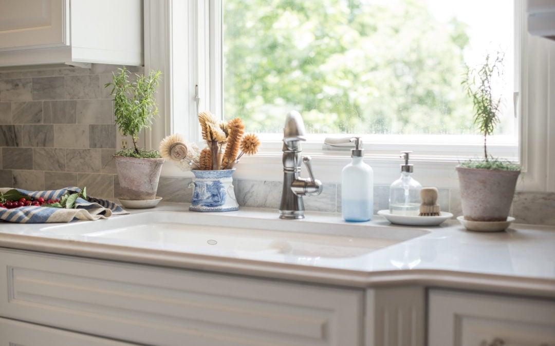 the enameled kitchen sink