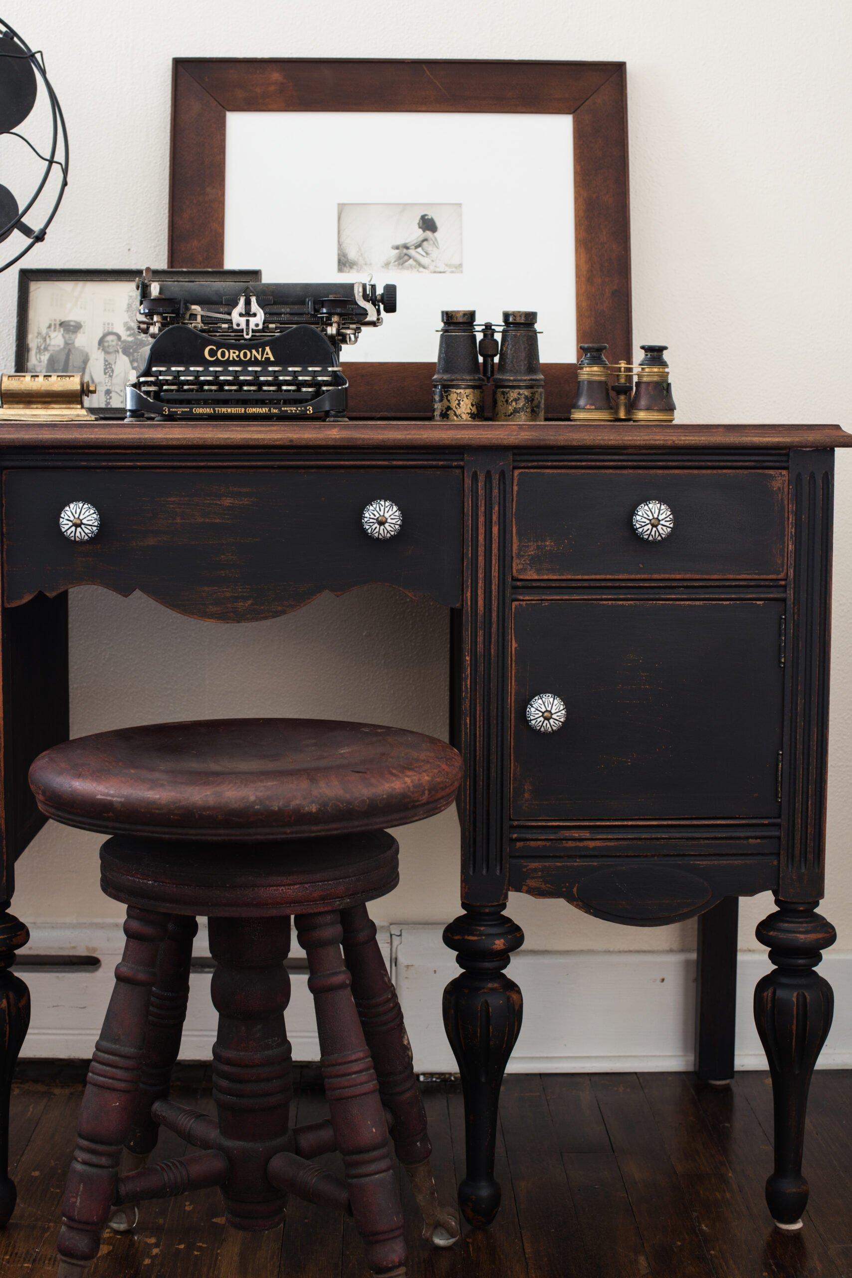 Typewriter dresser