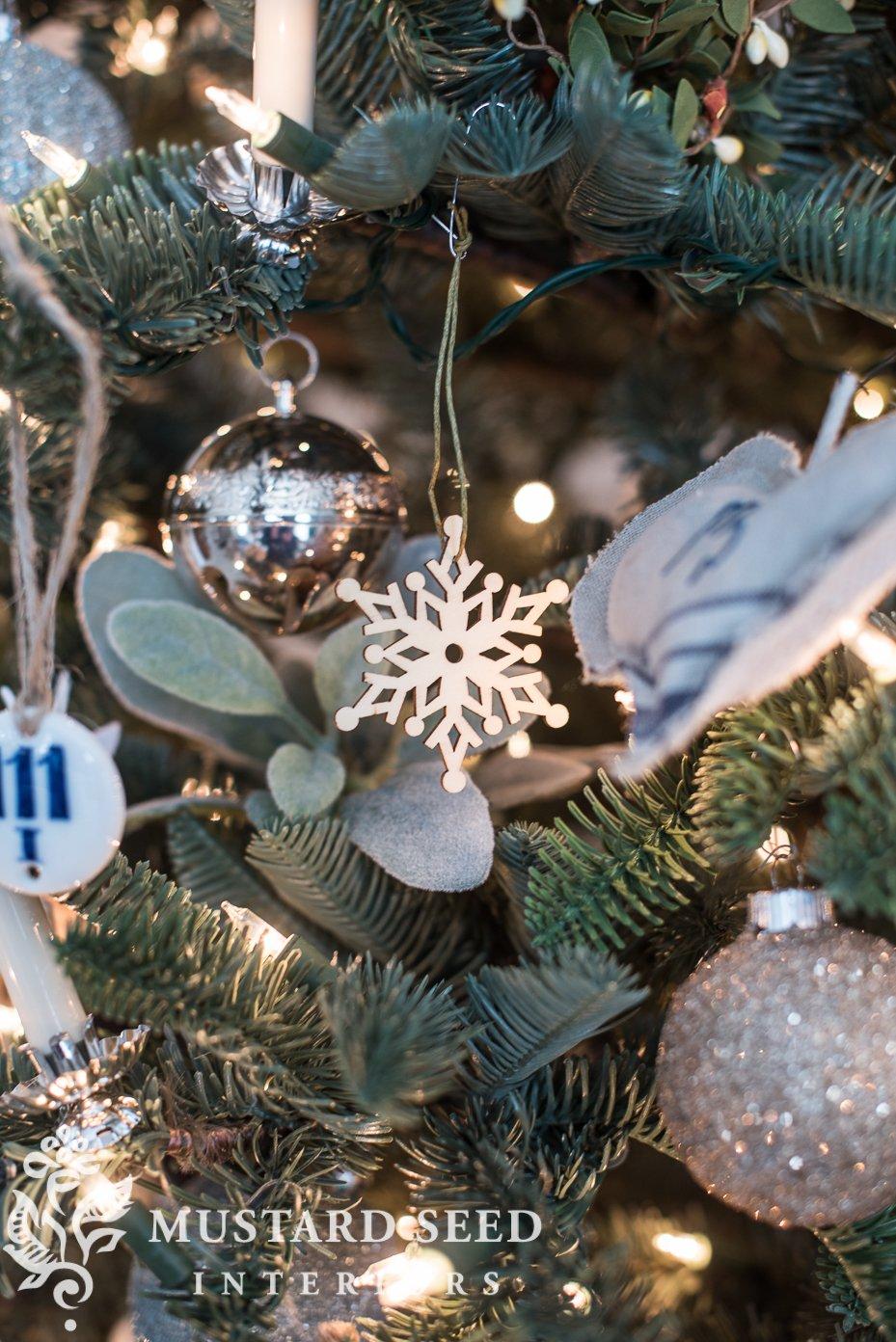 wood snowflakes   christmas decorating living room   missmustardseed.com
