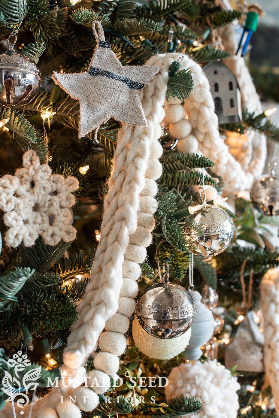 2020 Christmas tree | yarn garland | miss mustard seed