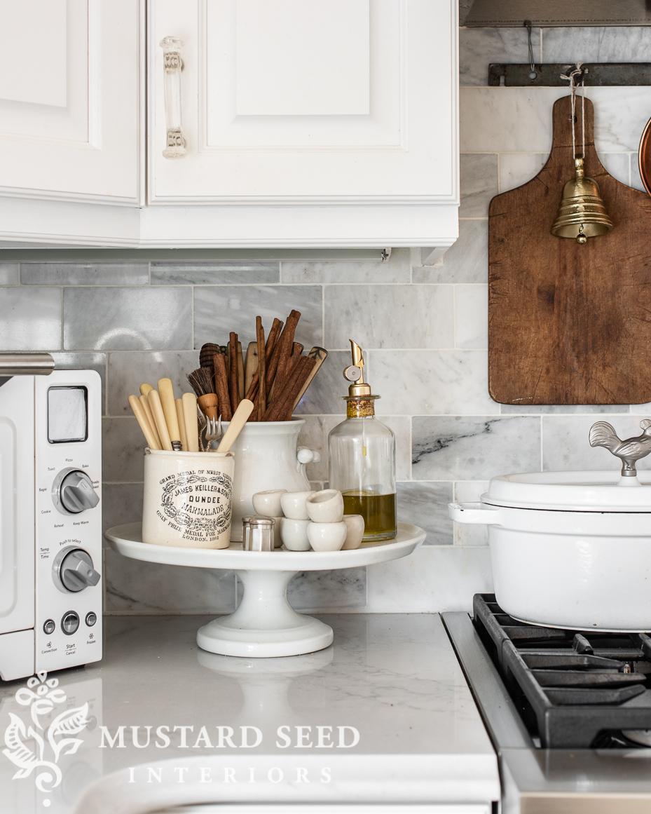 Christmas kitchen | ironstone cake stand | miss mustard seed