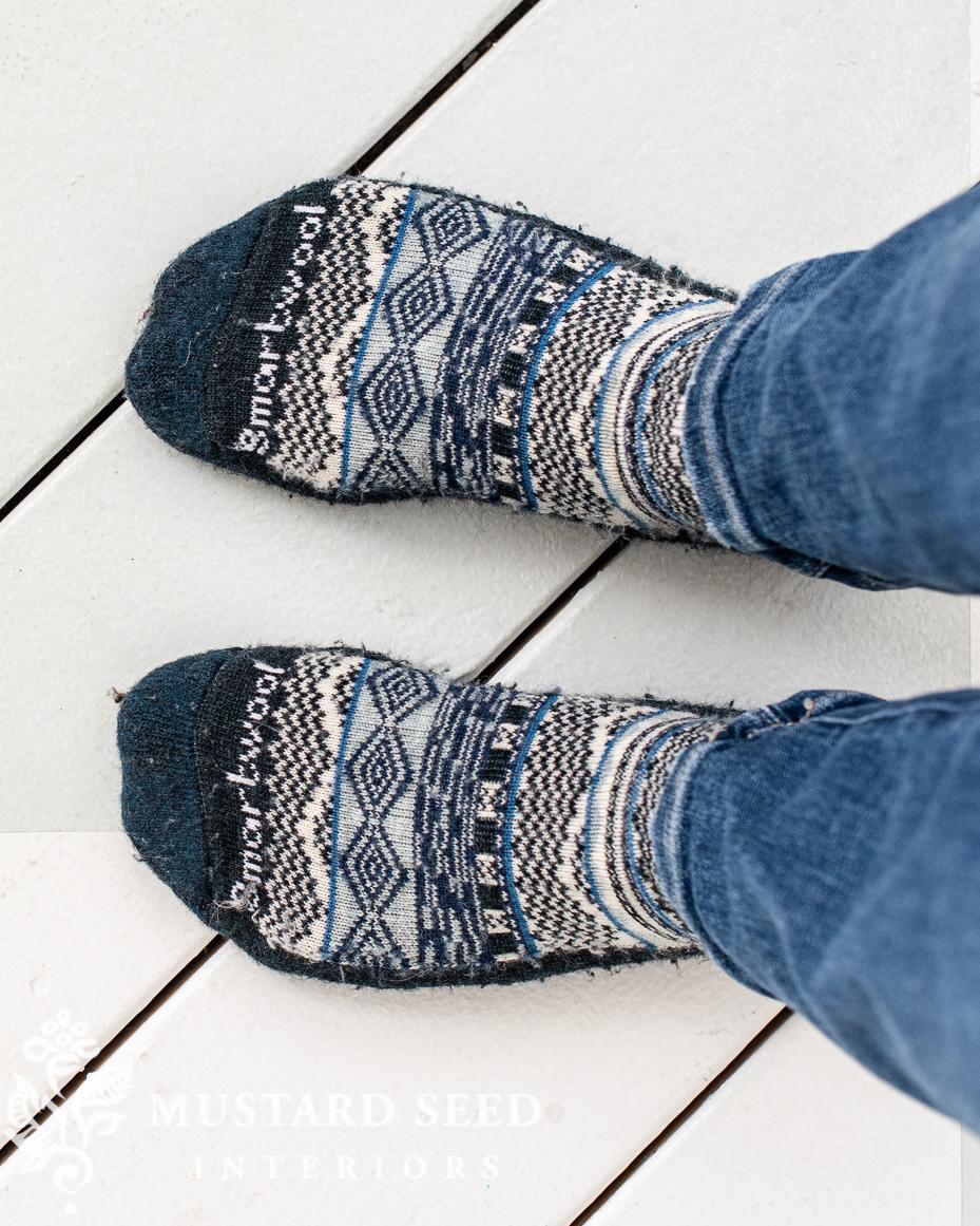 smart wool socks   blue and white   miss mustard seed