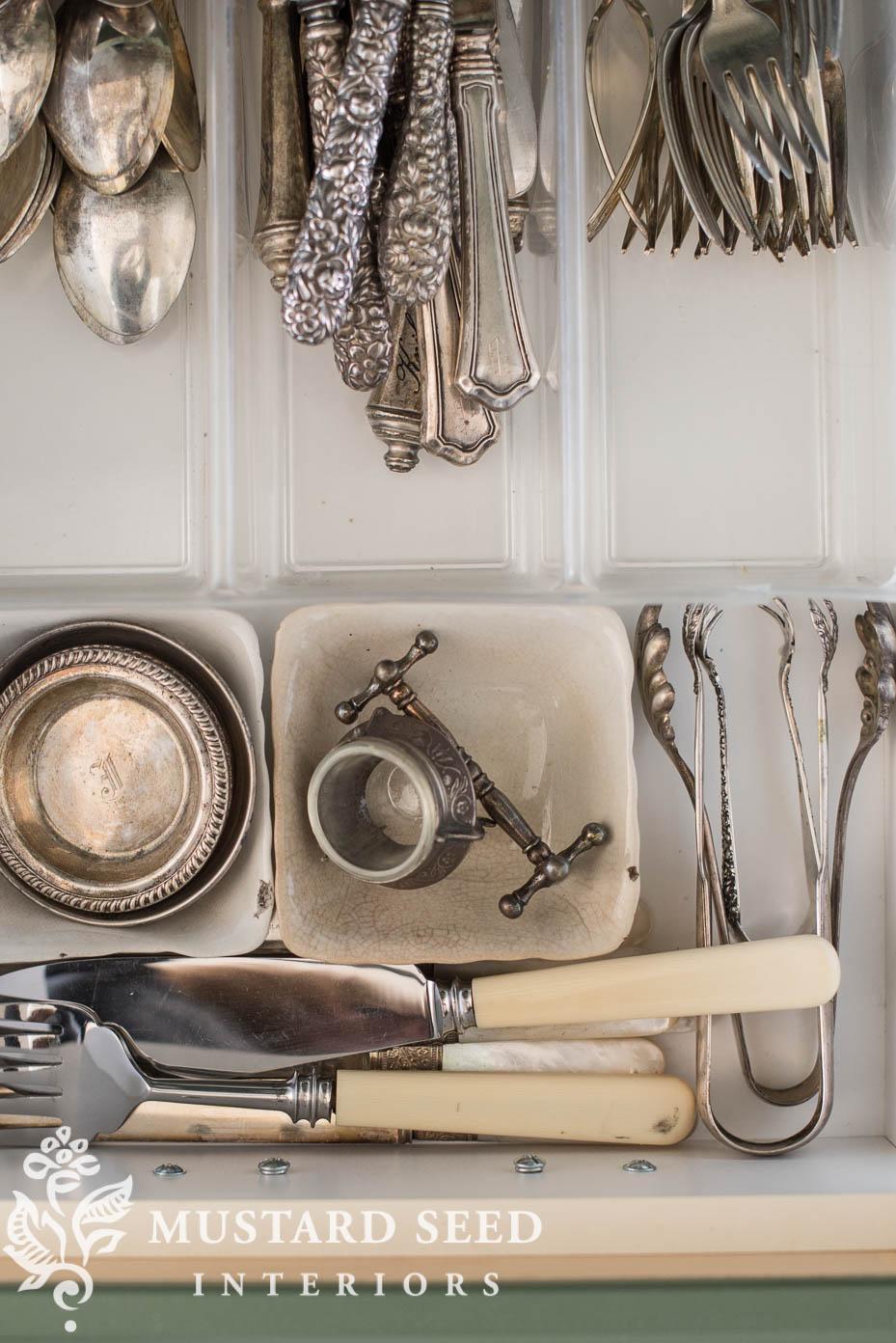 drawer organization | silver flatware | miss mustard seed