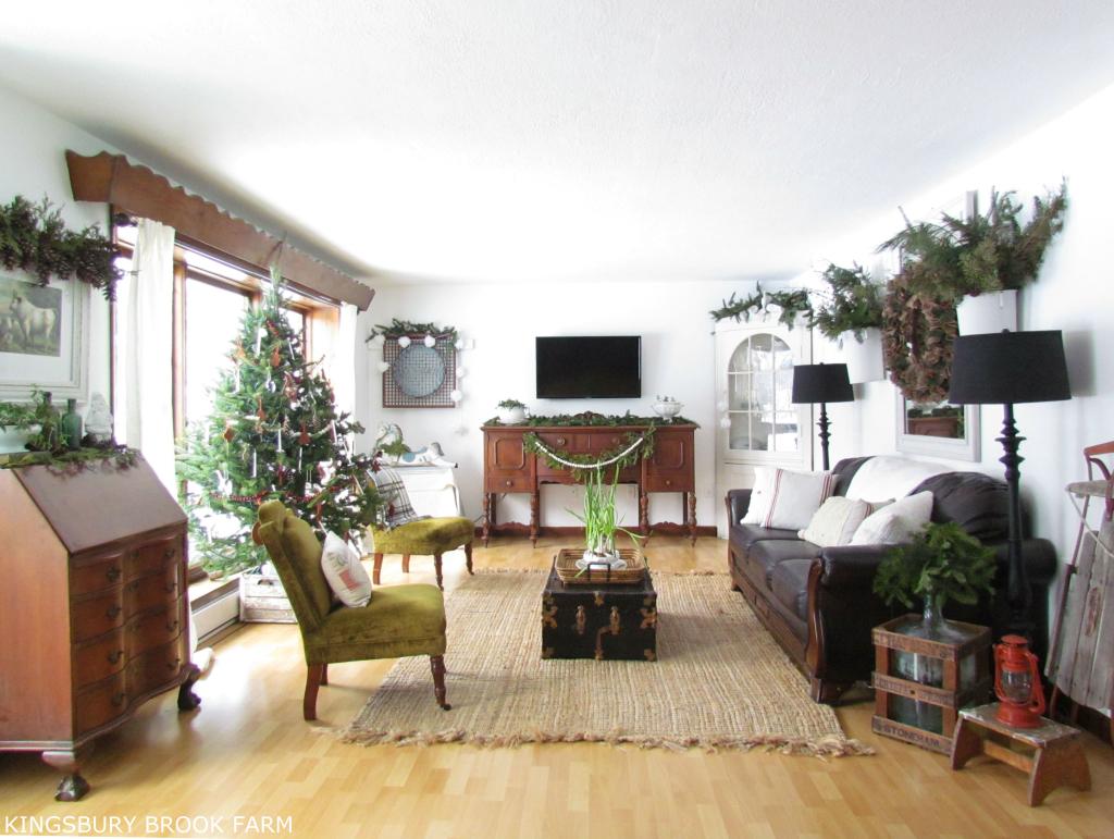 Decorating Dilemma | Marie - Helene\'s Great Room - Miss ...
