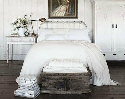 "finding an ""antique"" queen guest bed"