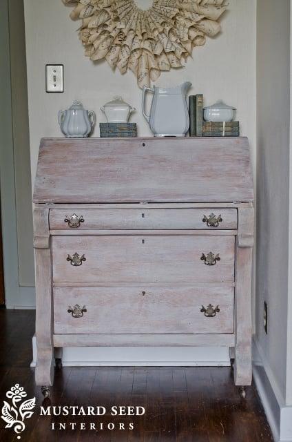 white washed desk & tutorial
