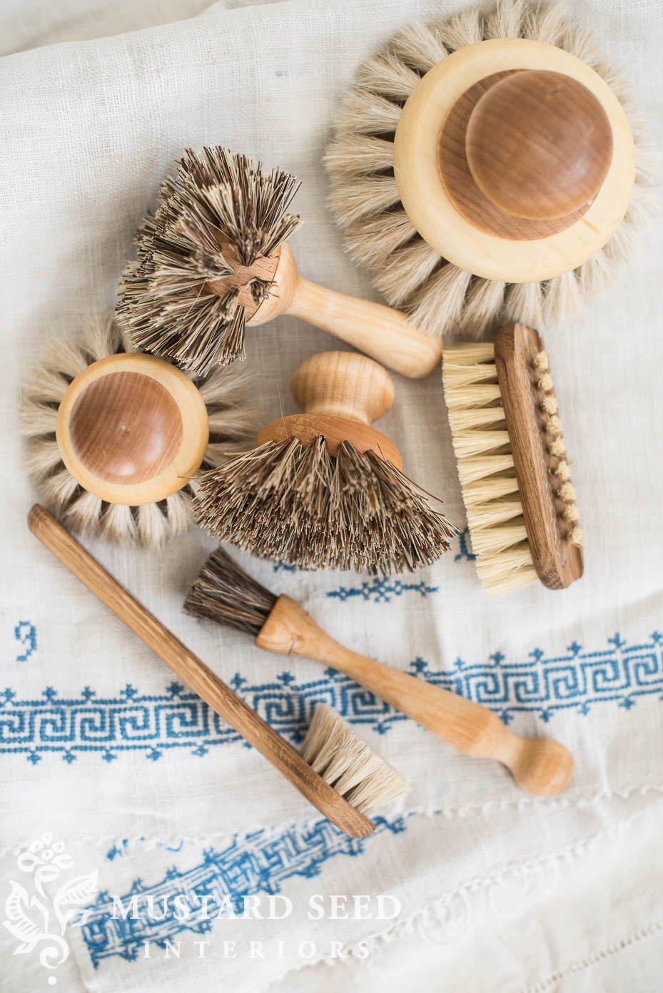 iris hantverk brushes | dreamy whites | miss mustard seed