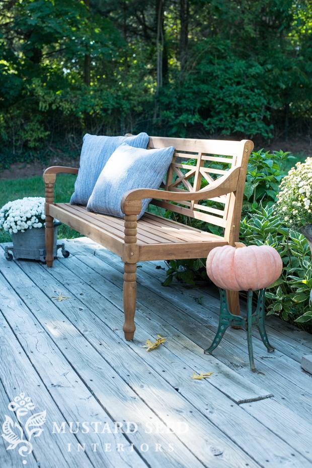 outdoor bench | farmhouse fall porch | missmustardseed.com