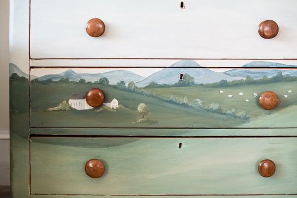Angie's Landscape Dresser