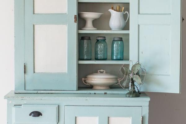 step-back cupboard reveal