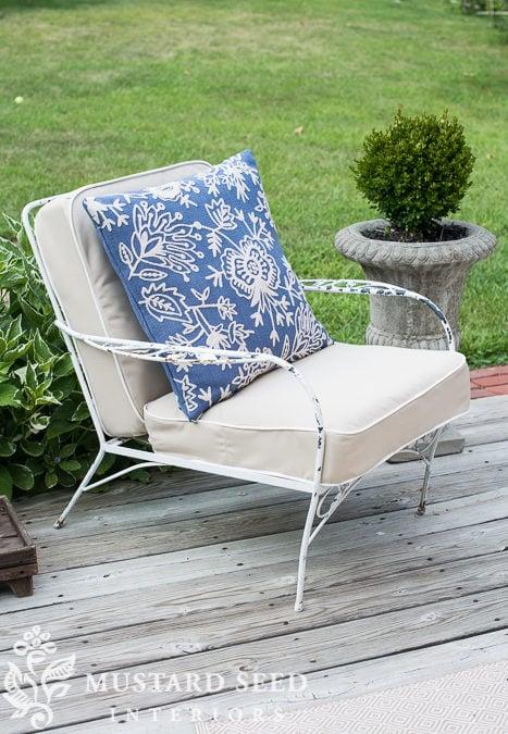 how to make a chair cushion | deck chair makeover