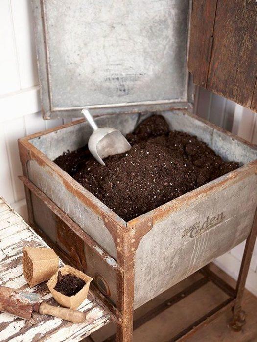 soil in old sink